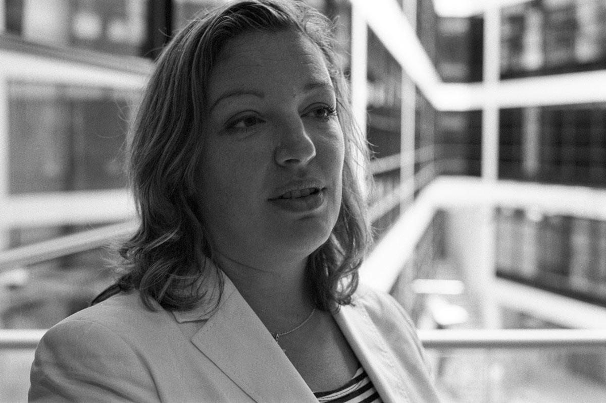 Renée Röske ist 1978 in Köln geboren und machte dort 1998 Abitur.