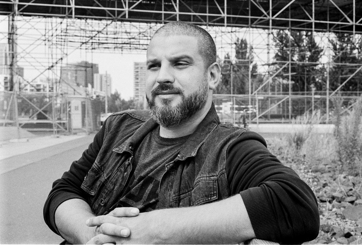 Der 1977 in Israel geborene Rapper Ben Salomo, mit bürgerlichem Namen Jonathan Kalmanovich, ist in Berlin aufgewachsen und hat dort die Konzertreihe Rap am Mittwoch gegründet.