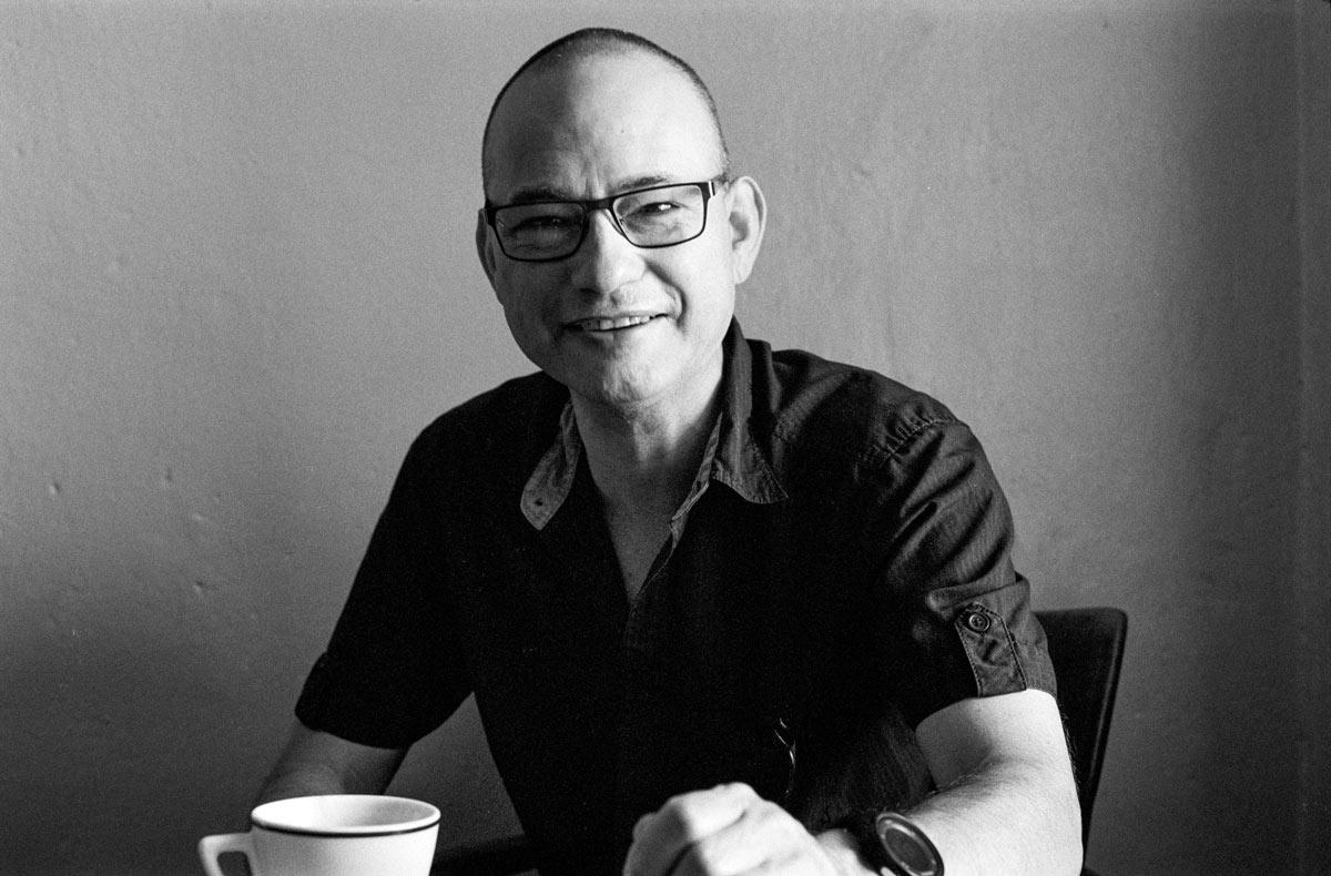 David König wurde 1968 in Prag geboren und ist in Nürnberg aufgewachsen.