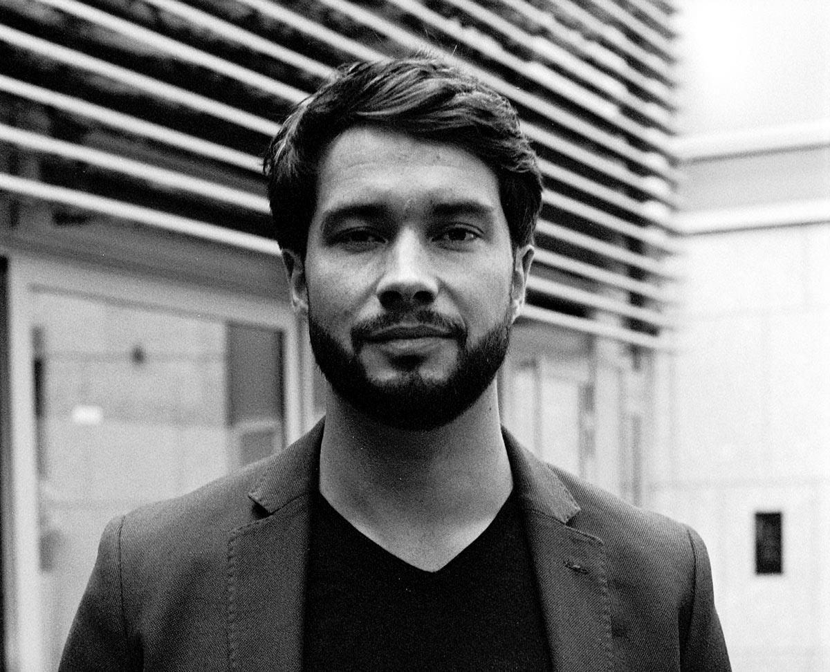 Leonard Kaminski wurde 1987 in Berlin geboren und wuchs dort auf.