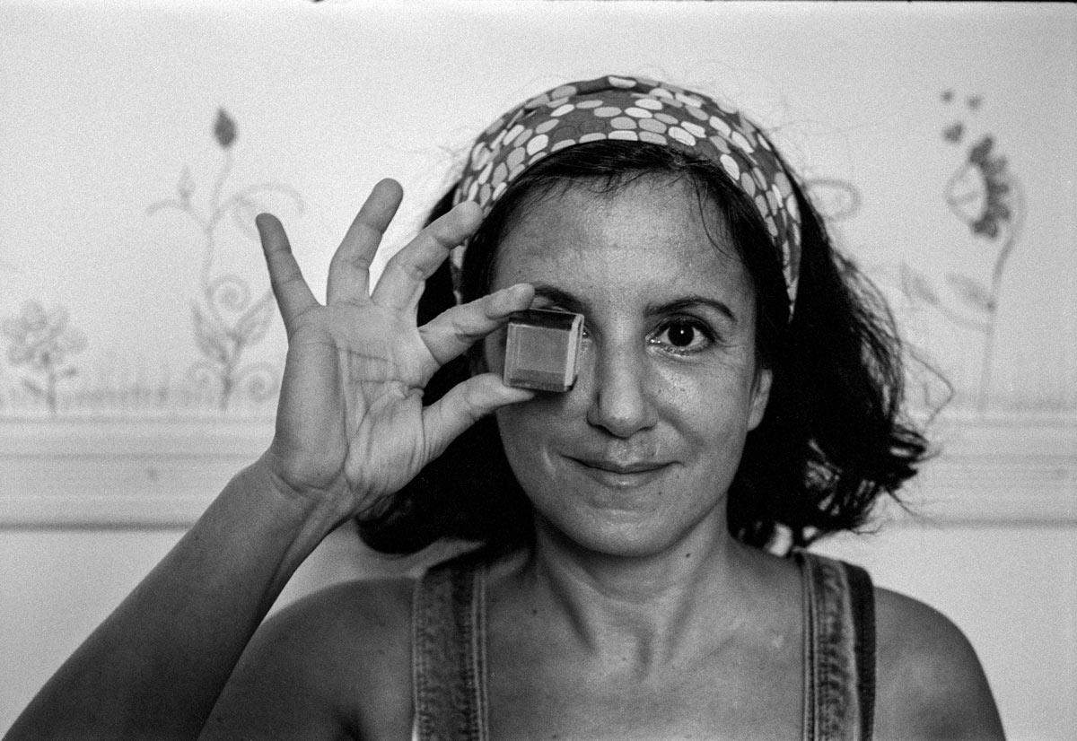 Shlomit Tulgan ist 1970 in West-Berlin geboren. Sie stammt aus einer sephardischen Istanbuler Familie.